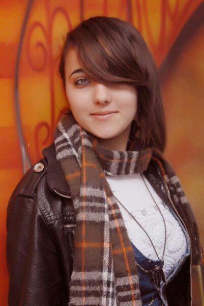 Solange, 19 cherche une relation non suivie