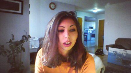 Nina cherche chat coquin et plus si affinité