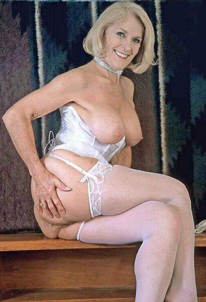 Sara, 58 cherche une aventure d'un soir